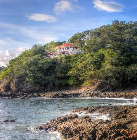 Casa de Mono Encantado from beautiful Paradise Bay below