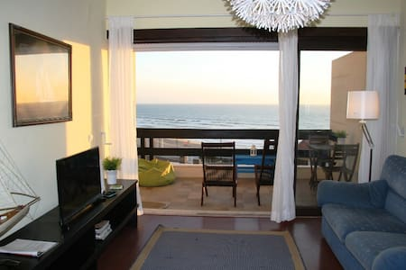 Santa Cruz beach apartment