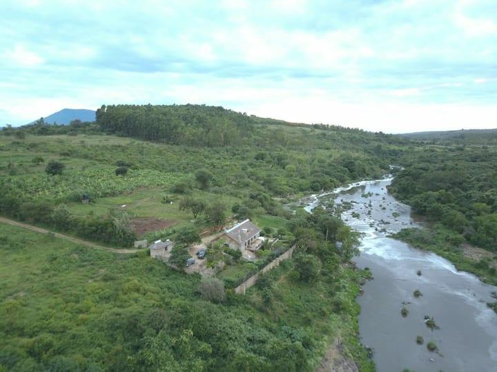 Bush Getaways, Stone Athi-River Cottage near Thika
