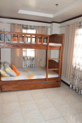 Zianna's 402 Baguio Transient House - Baguio - Pis