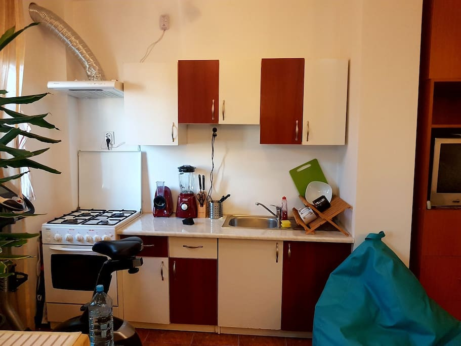 Kitchen area fully equipped
