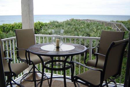 Luxurious Villa on the Ocean - Stuart