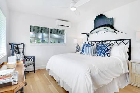 Room 9 - King Suite