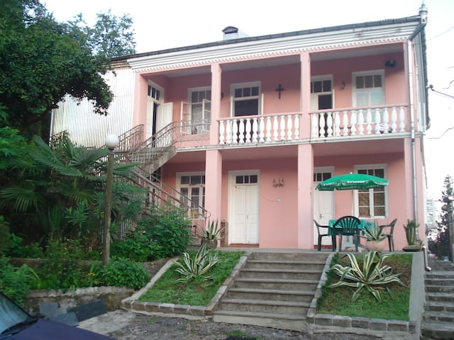 отдих на море в махинджаури - Makhinjauri - Haus