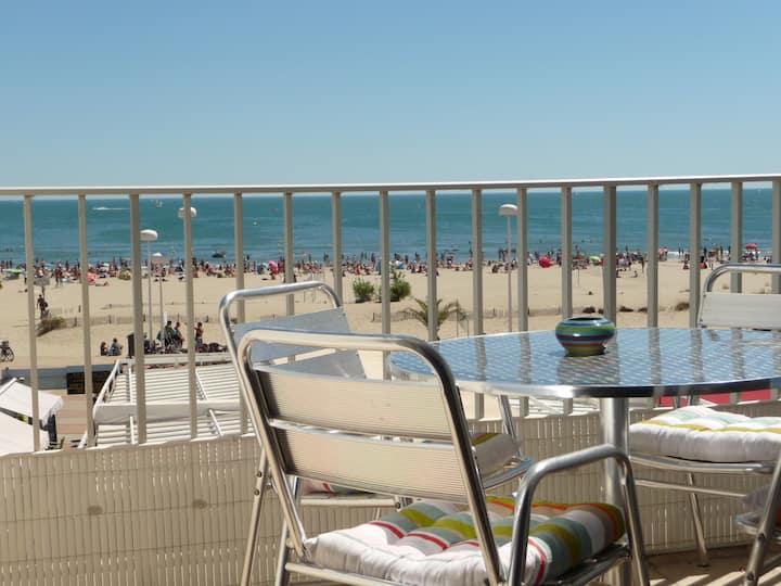 T2 première ligne de mer, parking, terrasse