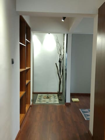 现代简约风格山湖景地铁电梯公寓(梅溪湖) - Changsha Shi - Apartemen
