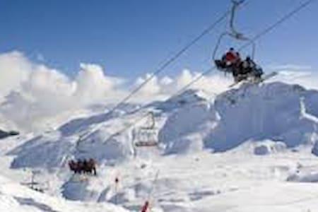 BONITO APTO. FORMIGAL (Huesca) frente pistas esqui - Formigal
