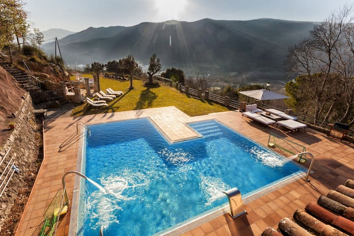 SALT WATER pool and whirlpool jets,BICYCLES. - Amer - Villa