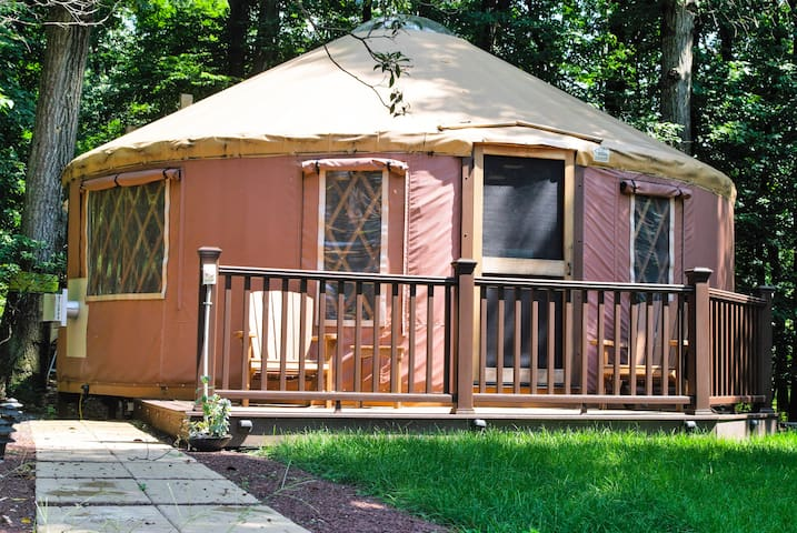 Luxurious & Rustic Yurt - Surrounded by Nature