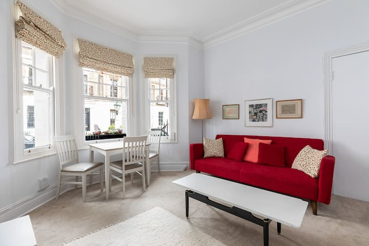 Chic flat for 3 in Chelsea, close to King`s Road