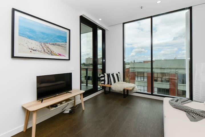 TANQUERAY: Modern Collingwood one bedroom apt - Collingwood - Apartment