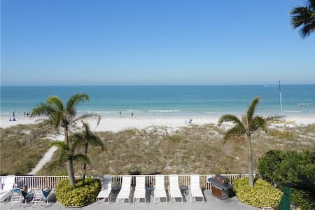 """Sunset Paradise"" ocean front w beautiful sunsets - Indian Rocks Beach - Condominium"