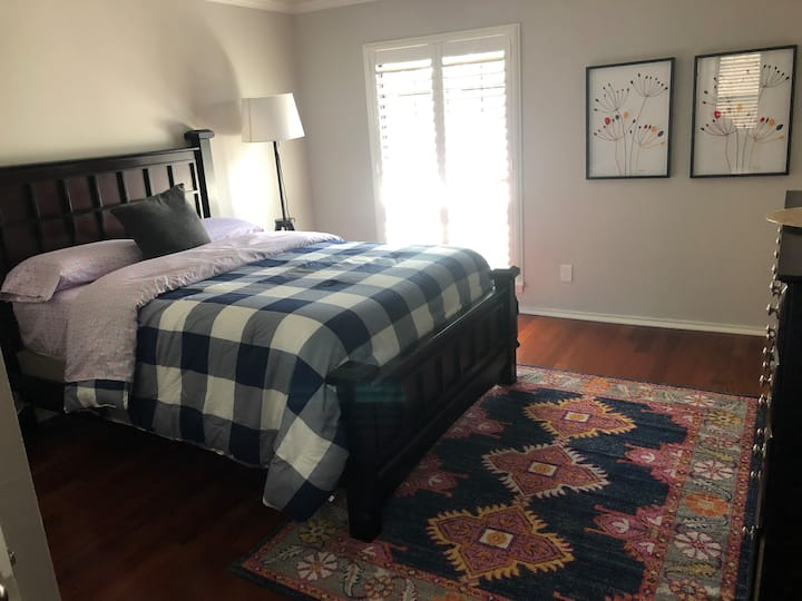 Addison/N Dallas  Private Master Bed w/Bathroom #2
