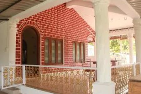 Coral Isle Bed & Breakfast - Port Blair - Szoba reggelivel