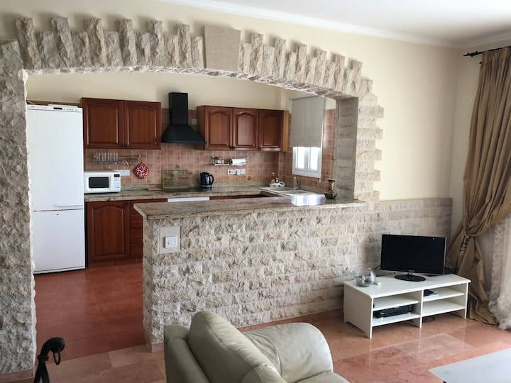 Apartment LUX Class (3 bedrooms) Close to the Sea