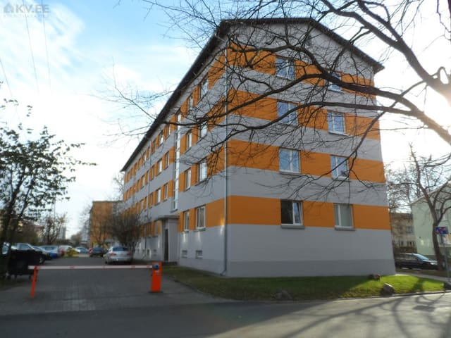 Sunny studio - 6 min to old town (bus)