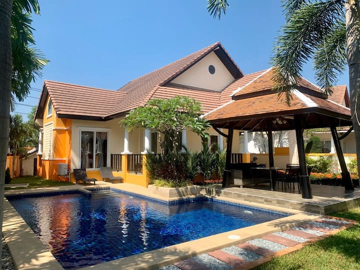 Green Residence Private Pool Villa Pattaya 4BR BBQ