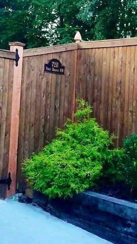 Property address and landmark