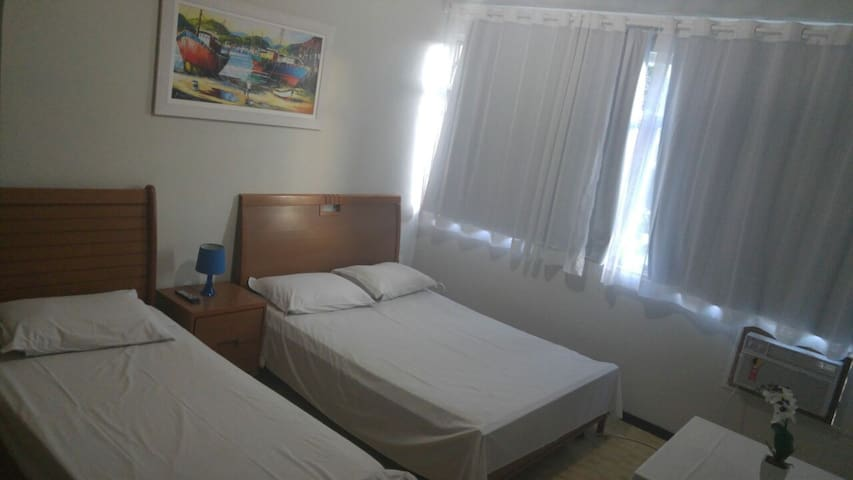 Confortáveis suítes por apenas R$ 1.350,00 mensal - Rio das Ostras