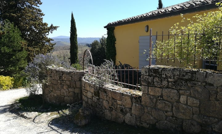 Incantevole dependance di casale in Toscana.
