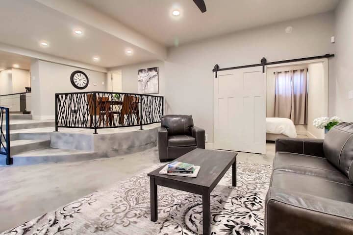 Upscale home on historic registry★Walk to downtown