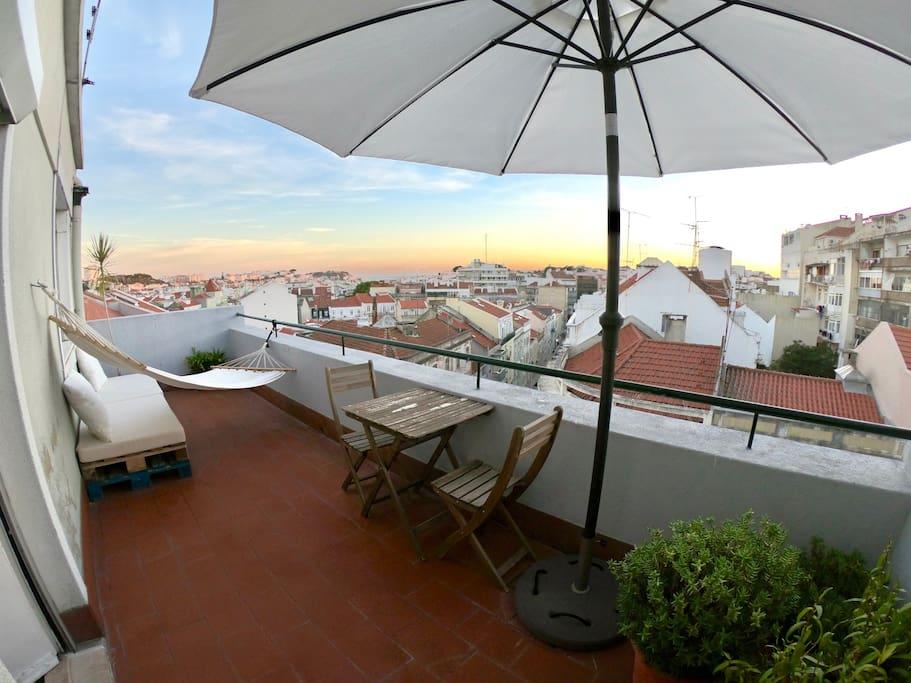 Loft de 150 m avec terrasse et vues sur le ch teau Loft et terrasse