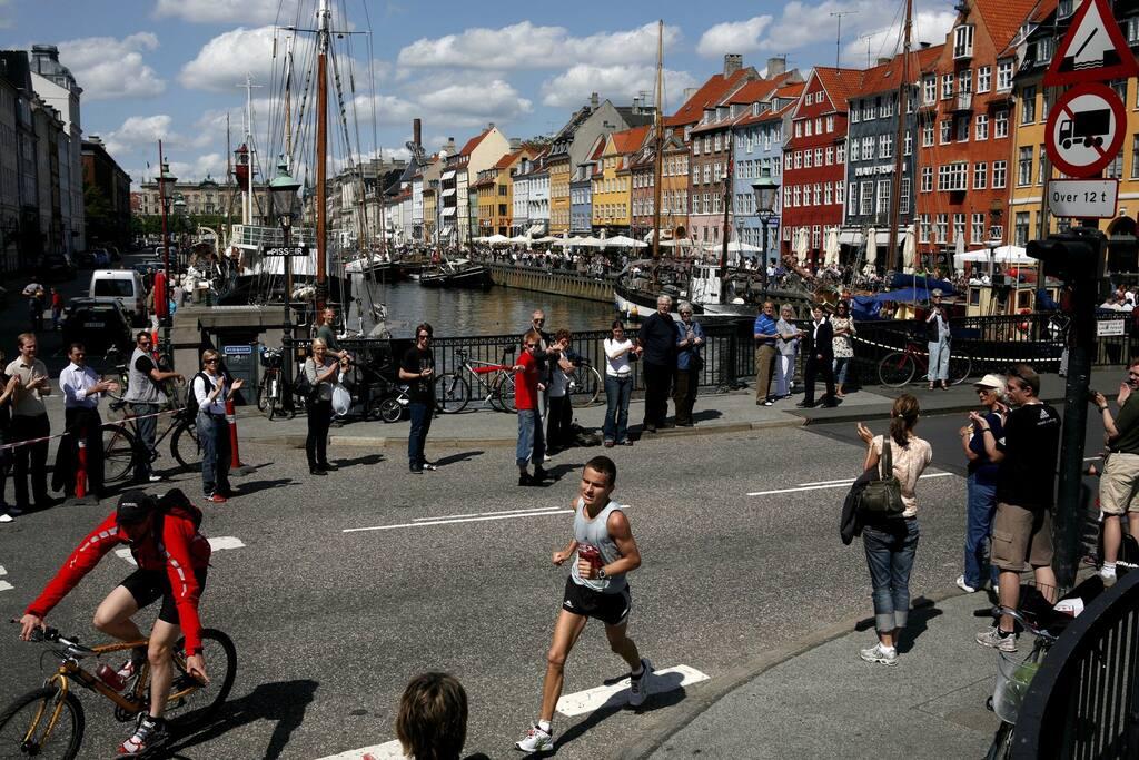 Der er en halv kilometer til Femøren Metro, der på et kvarter bringer en direkte til centrum af København.