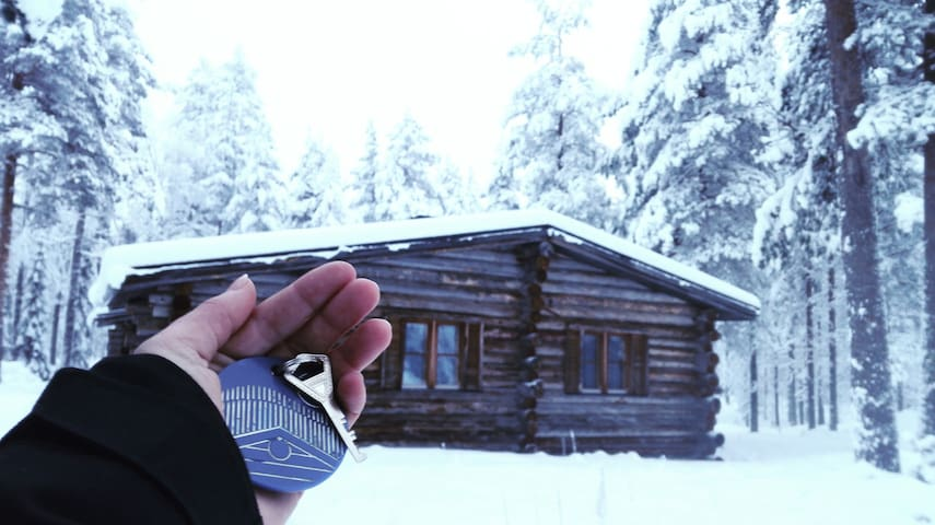 Room in a wooden cottage for adventure seekers - Kittilä - Kabin