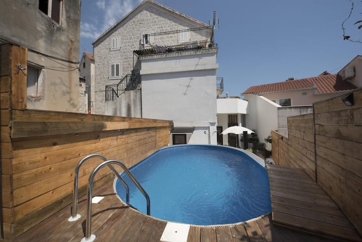 Two bedroom apartment with terrace Split (A-17336-a)