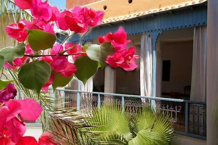 Riad 13. Curiosité + échanges (3) - Marrakesh