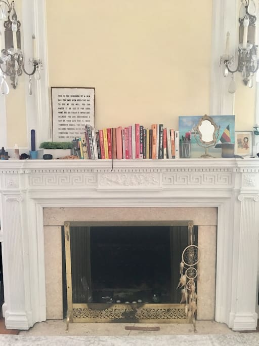 Incense are yours to light, books are yours to choose from - just please return them! (Non-working fireplace)