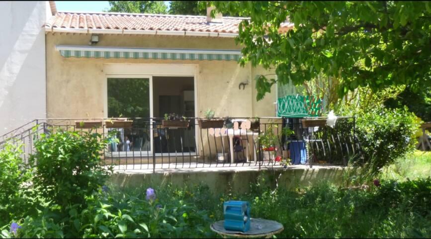 Maison proche Gréoux et Vinon - Saint-Julien - Rumah