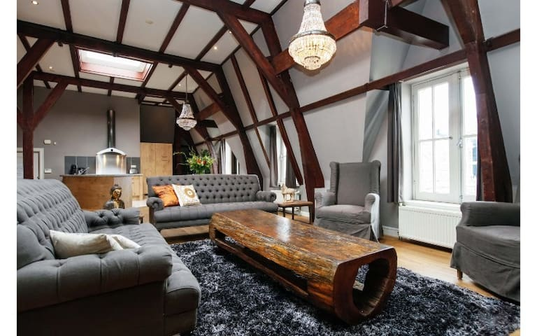 Royal 2-Bedroom Penthouse in Central Leidseplein