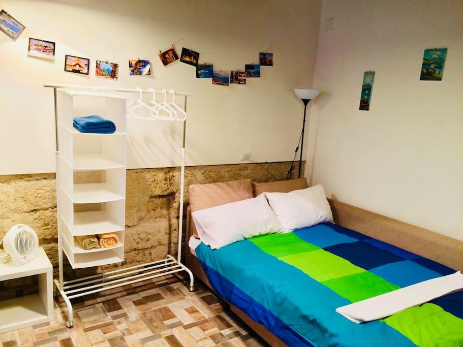 Unit 2 - Larger unit + separate kitchenette & bathroom