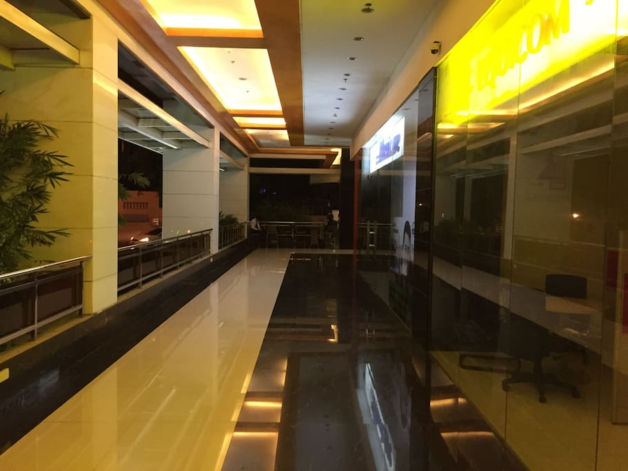 This is the hallway leading to Ayala Centre.