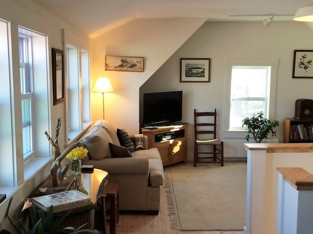 25 Middle: Two floor loft  w.water views - Wiscasset - Daire