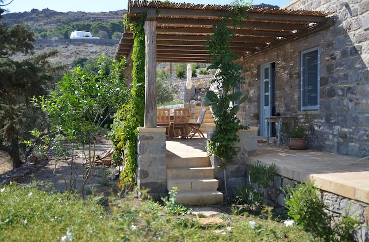 Best location on Patmos Farm House - Pátmos - Departamento