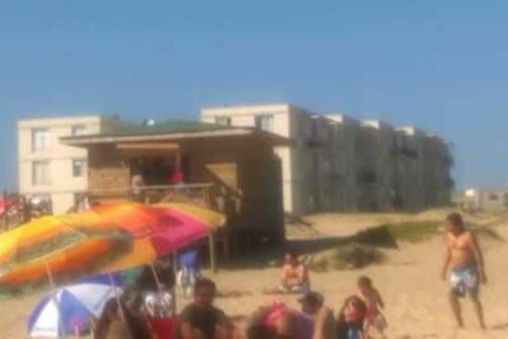Edificio en la playa Piedras Negras