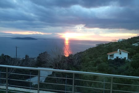 Sea view house, excellent location - Marmari - Villa