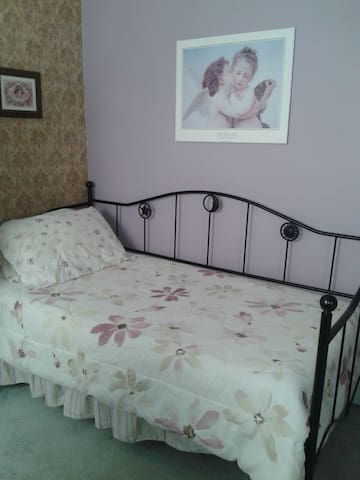 Quaint Room - Welland - Dom