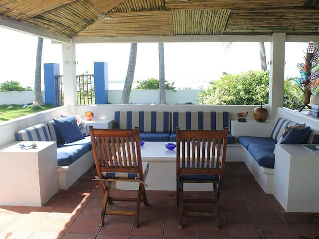 Beautiful Beachfront Villa  Metalio Beach - Metalio - Villa