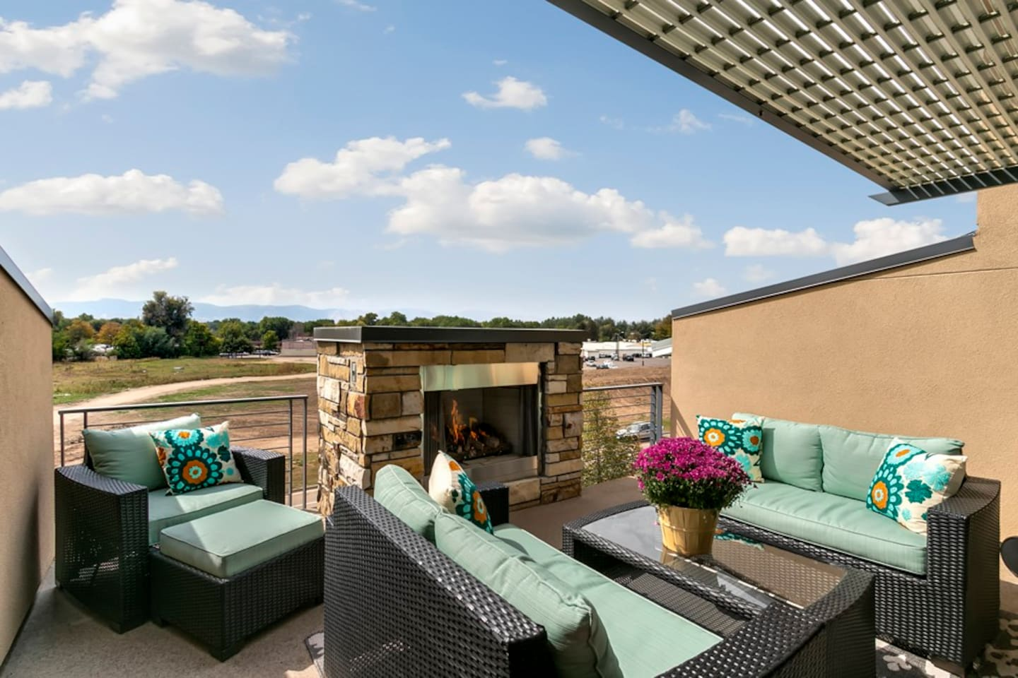 Located off of the third floor, balcony features beautiful views of the front range mountains. Great place to enjoy a morning cup of coffee or unwind with a glass of wine at the end of the day.