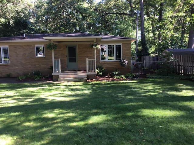 Pet Friendly, Large Fenced Yard, Close to Beach