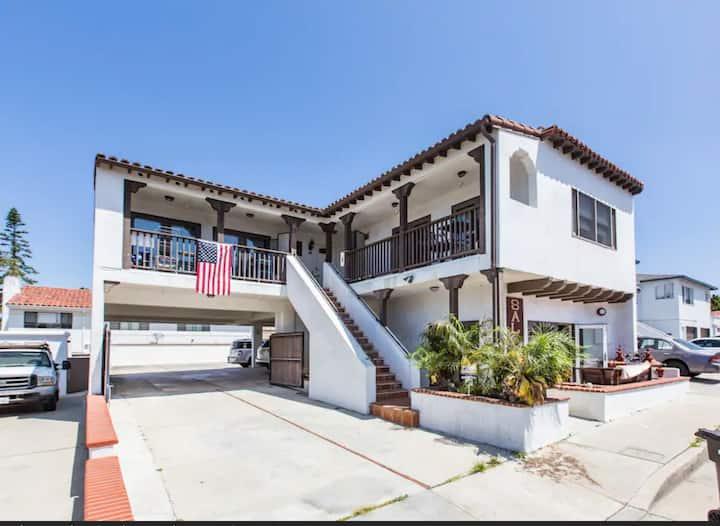 San Clemente Breeze Modern Beach House Oceanview