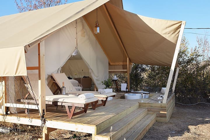 SK41 Luxury Tent House for 12 people