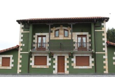 Apartamento/duplex en Escalante - Huoneisto