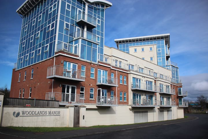 South Belfast - new luxurious apartment - Jct 2,M1