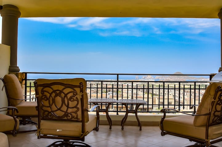 Incredible View Luxury Condominium