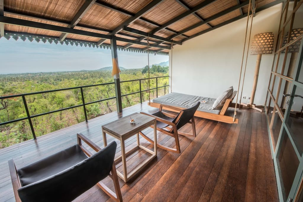 Large terrace of 3,5 x 6 to relax and enjoy the nature around you
