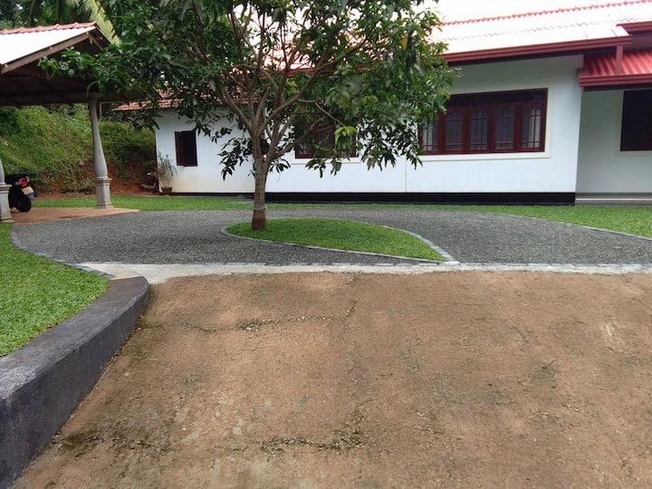 2 Beds Rooms privet Tharitha Villa, Hikkaduwa